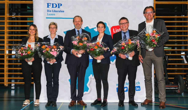 Die FDP hat an ihrer Nominationsversammlung erst sechs Personen nominiert. Von links: Fabienne Brauchli, Helen Schurtenberger, Albert Vitali, Anne-Sophie Morand, Martin Huber und Peter Schilliger.