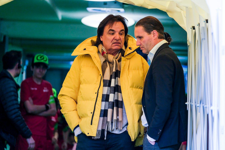 FCL-Sportchef Remo Meyer (rechts) lässt sich Anfang April die Meinung von Sions Alleinherrscher Christian Constantin zu Gemüte führen.