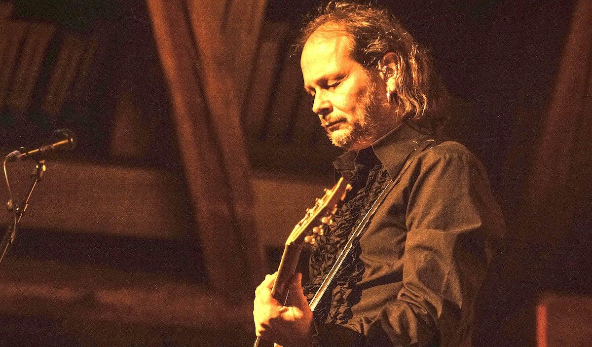 Eins mit der Gitarre:Ausnahmegitarrist Jean-Pierre von Dach.
