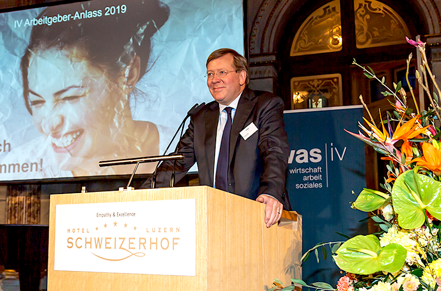 IV- Direktor Donald Locher am Arbeitgeberanlass 2019 im Hotel Schweizerhof.