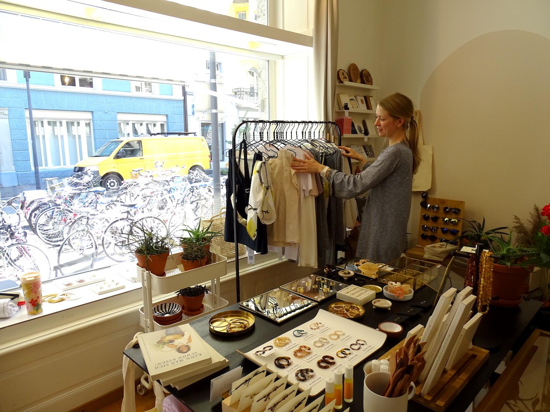 Die gebürtige Litauerin Paulina Annen betreibt seit fast einem Jahr die kleine Boutique «The Stories» an der Kasimir-Pfyffer-Strasse 16.