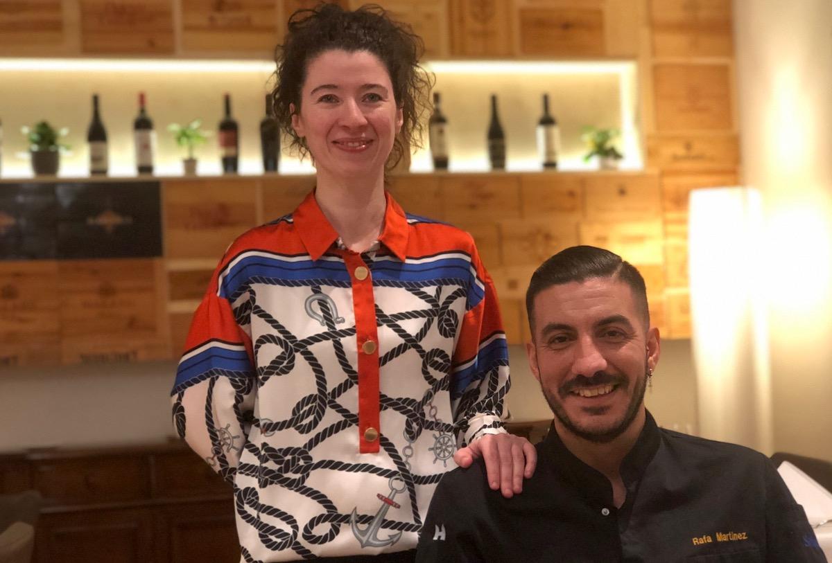 Enzian-Gastgeber: Geschäftsführerin Sandra Santos mitKochRafa Martínez.