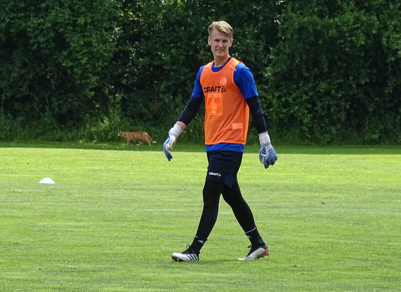 Bewegt sich auf dem Platz geschmeidig wie eine Katze: Goalietalent Simon Enzler (21).