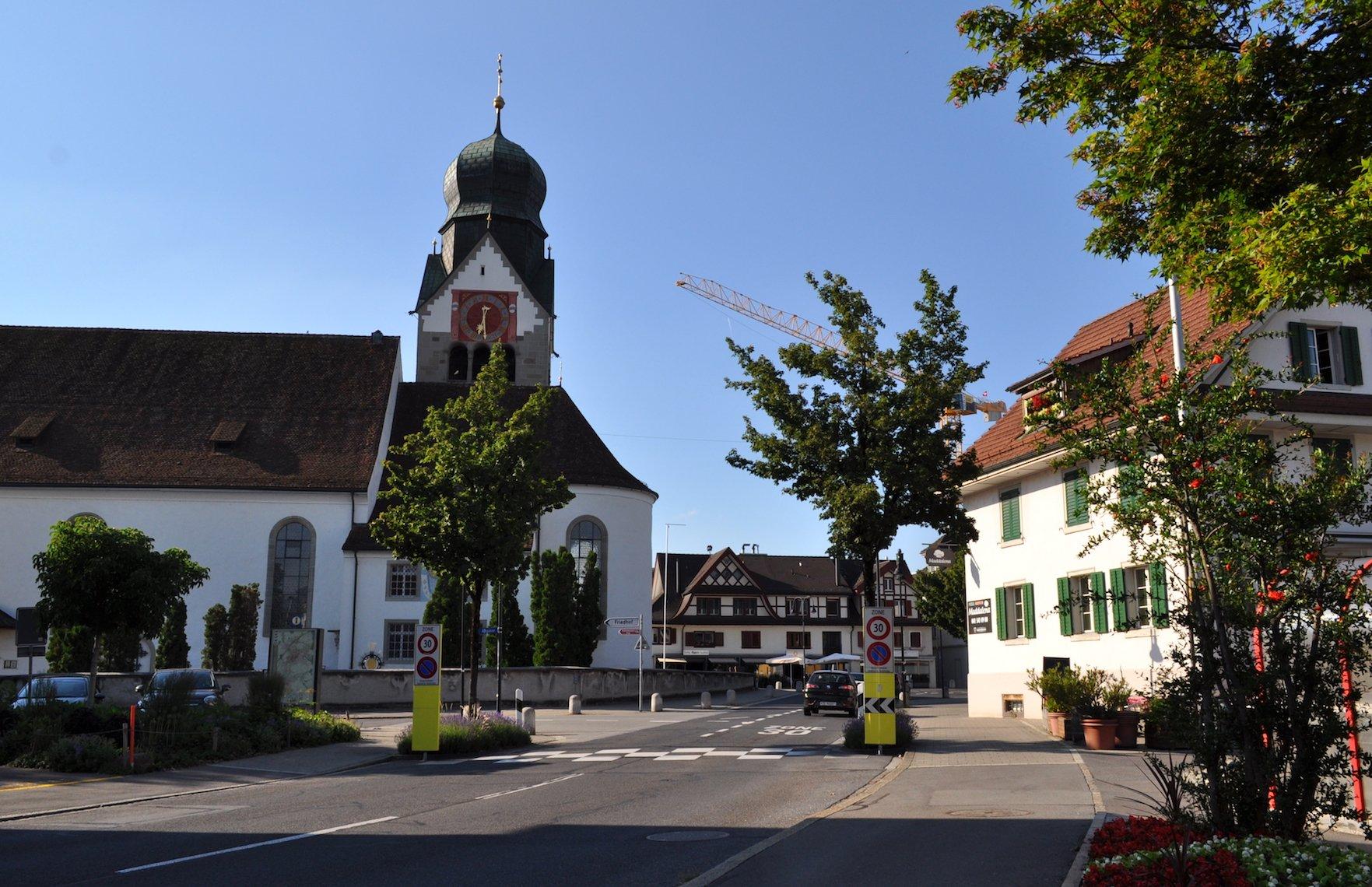 Dorfeingang bei der St. Martinskirche.
