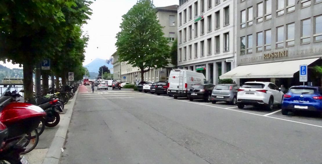 Es besteht aktuell keine rechtliche Möglichkeit, die Parkplätze rechts aufzuheben.