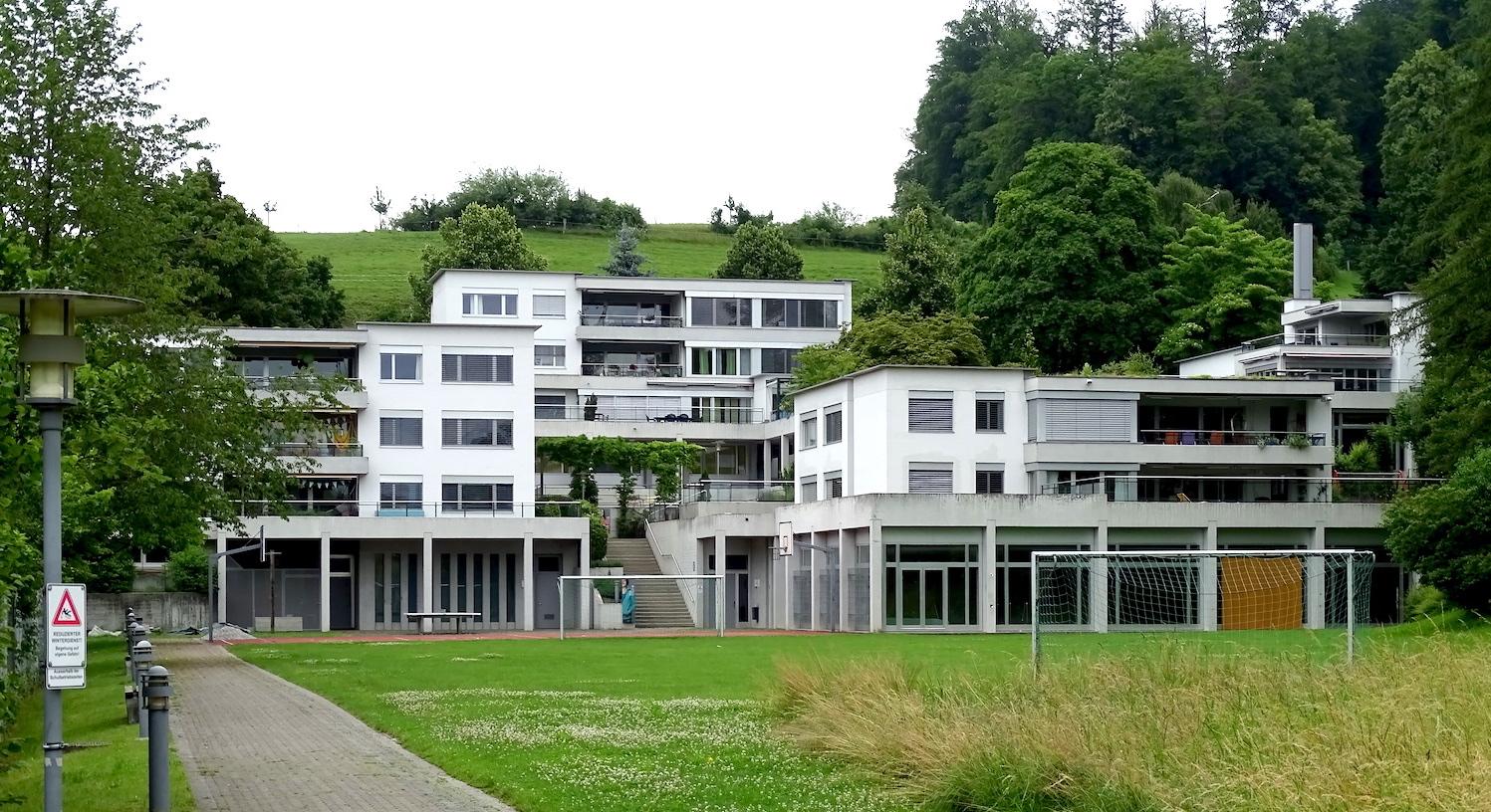 Kinder- und Jugendsiedlung, Utenberg, Hallenbad, Schule, Zwischennutzung