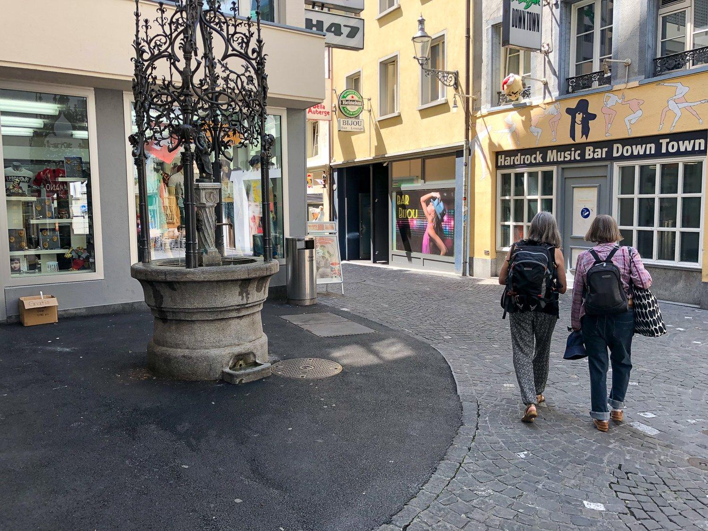 Garantiert sonnenfrei: Brunnen in der Eisengasse in der Altstadt.