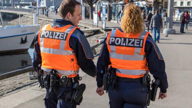 Mit polizisten zusammenleben einem Nach Randale